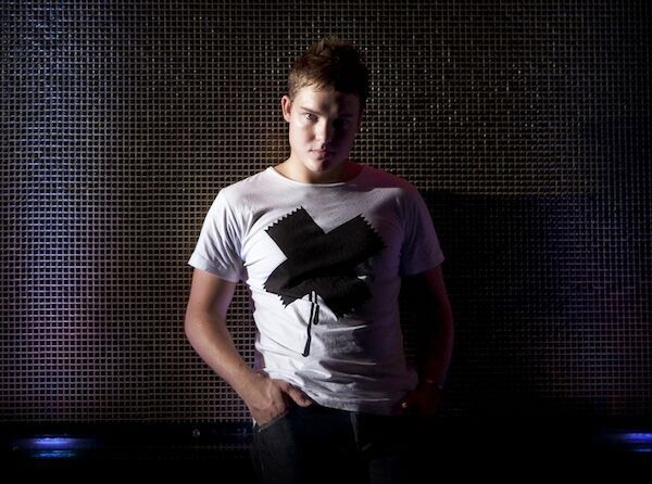 tydi-press-shot-4_preview.jpeg