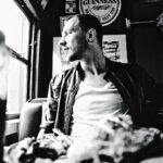 Kris-Menace-Sitting-PR-Picture-by-Thommy-Mardo_web.jpg